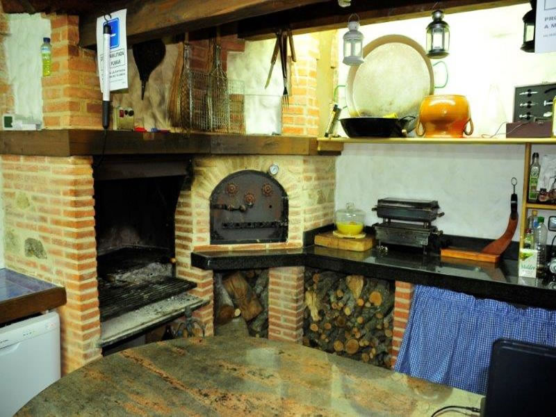 Casa rural spa la chirumba cottage a salamanca il for Casa rural piscina climatizada interior